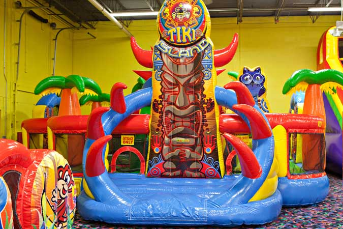 Birthday Party | Indoor Inflatable | Jumping Party ...